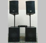 Продам практически новый комплект акустики с усилением Behringer