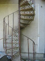 Румынская винтовая лестница